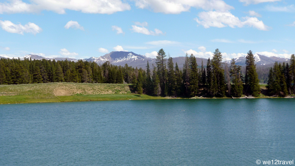 yellowstone lake highlights of yellowstone national park