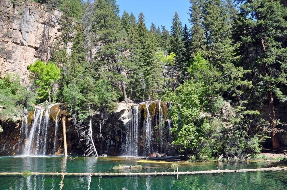 hiking to hanging lake trail in colorado