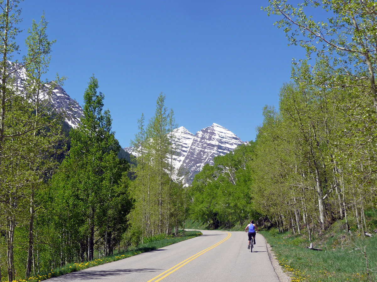 biking to maroon bells