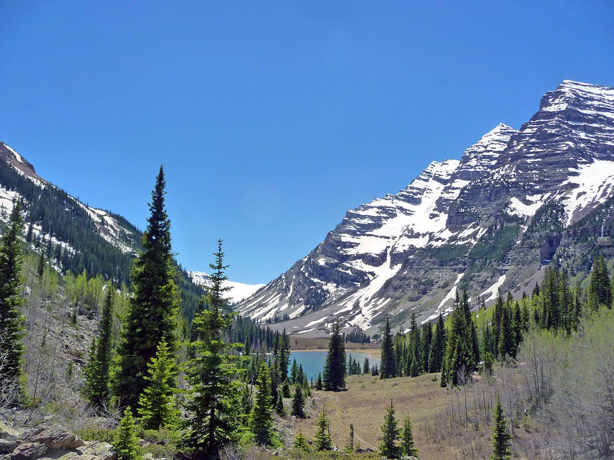 hiking to maroon bells