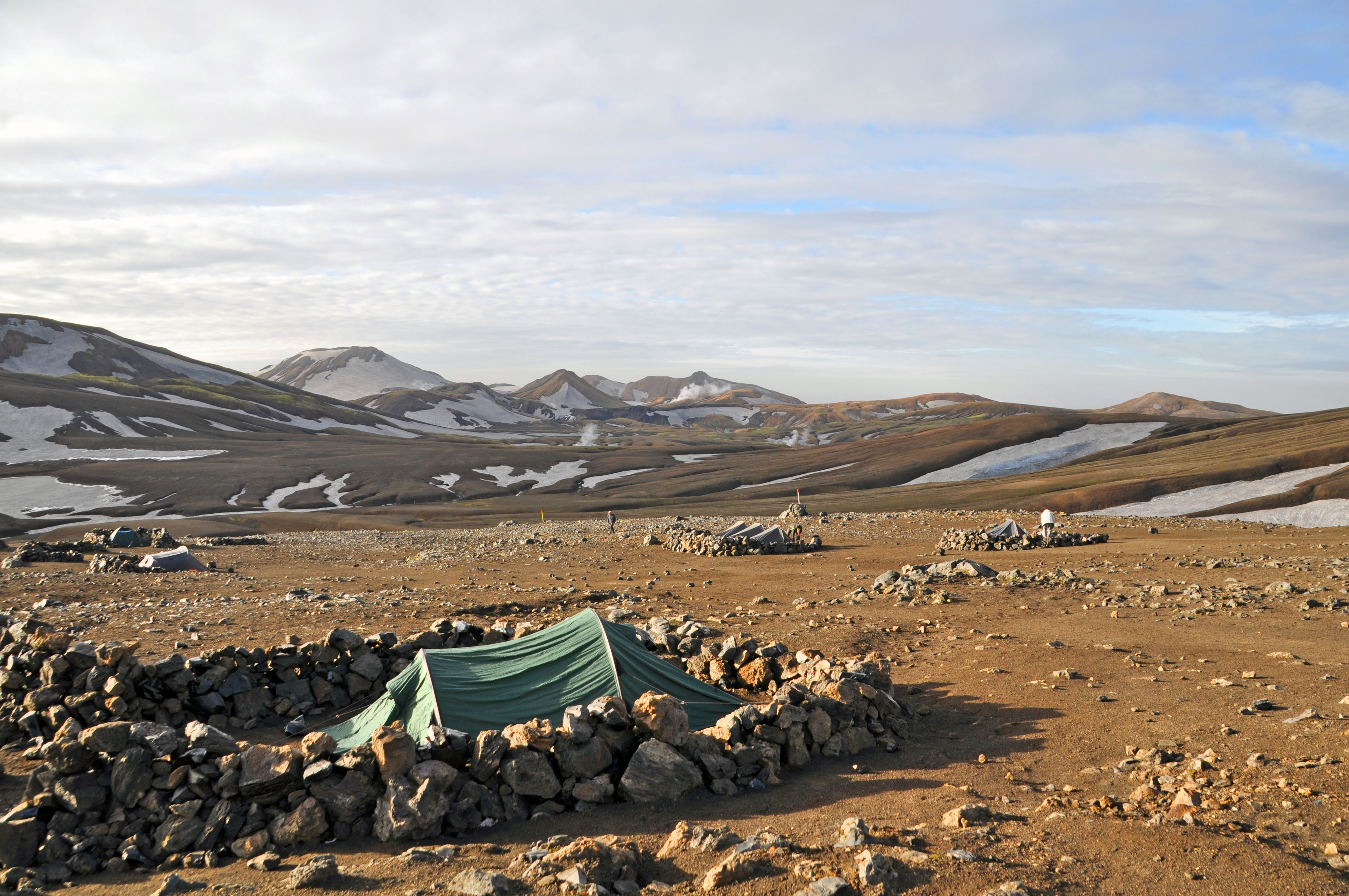 hiking the laugavegur camping iceland