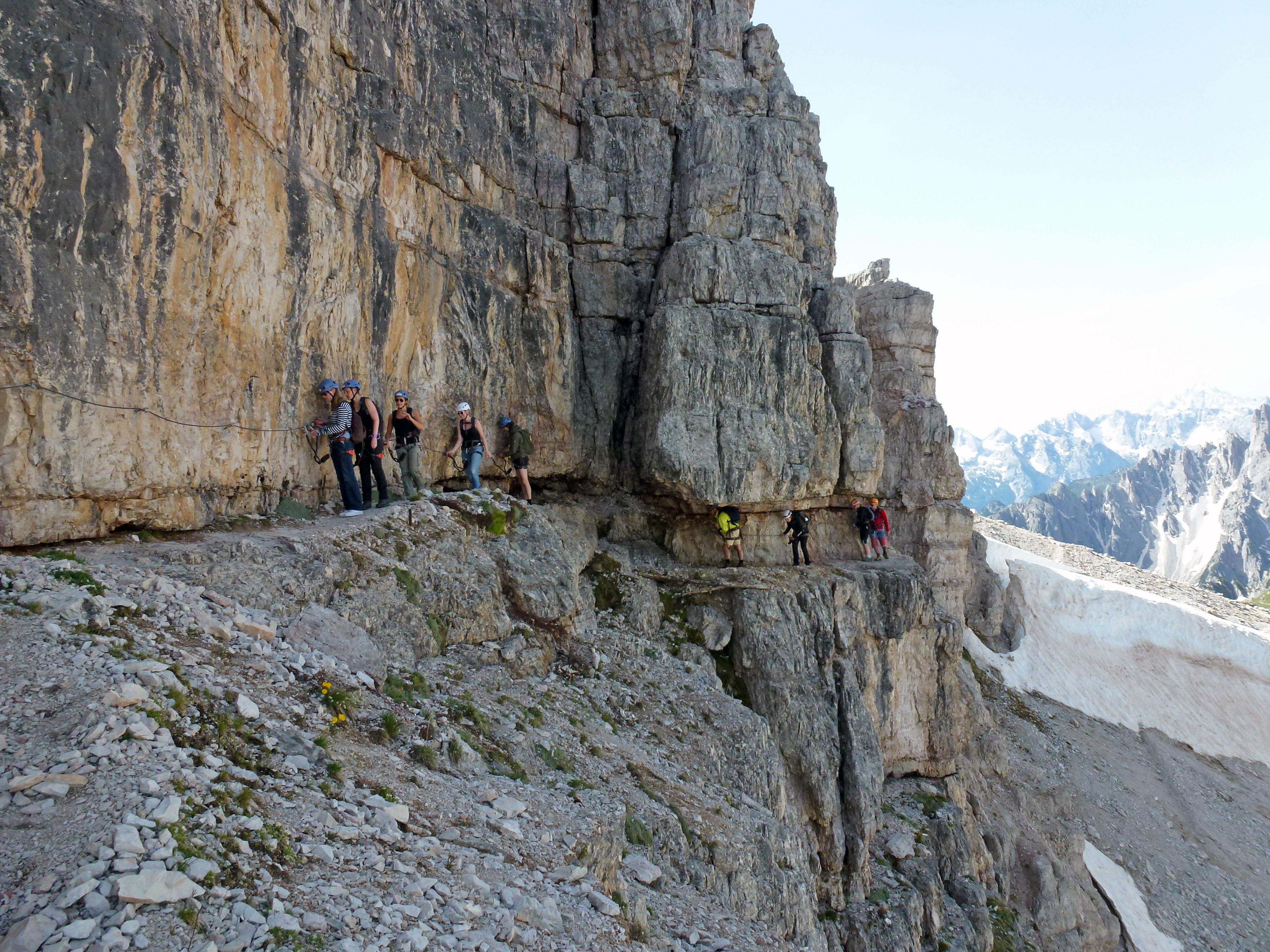 Klettersteig Oostenrijk : Must do: klettersteigen in de dolomieten we12travel.com
