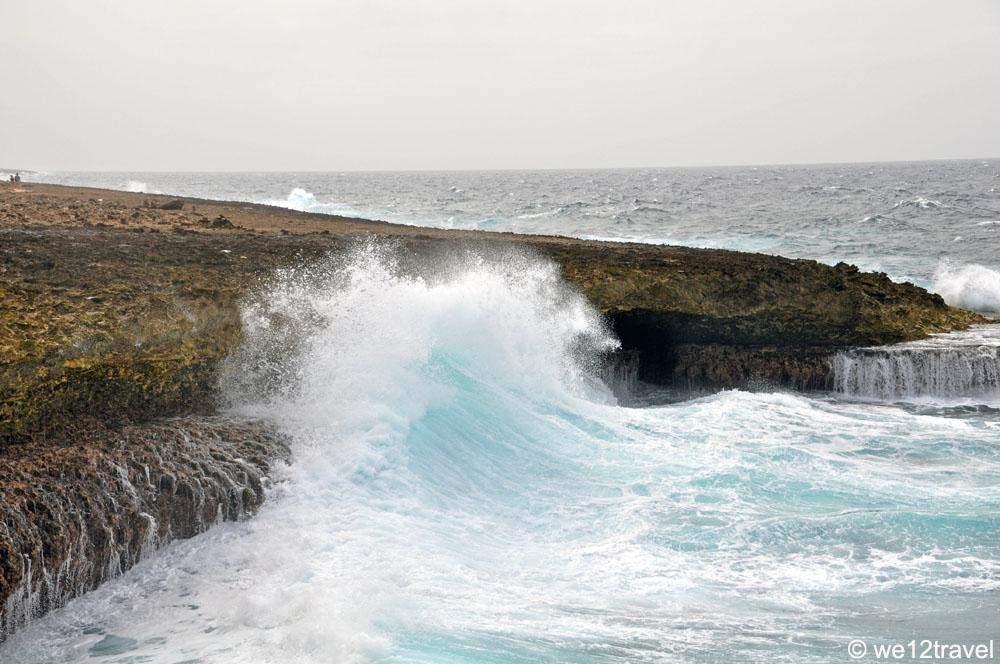 waves crashing 1