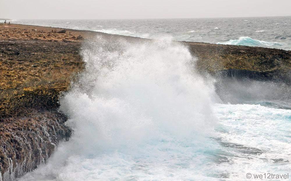 waves crashing 2