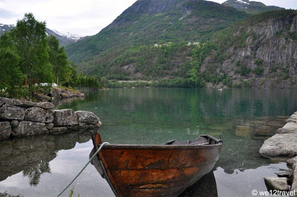 boat-on-strynsvatn