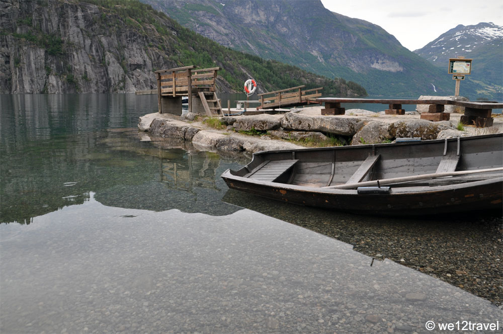 strynsvatn-lake