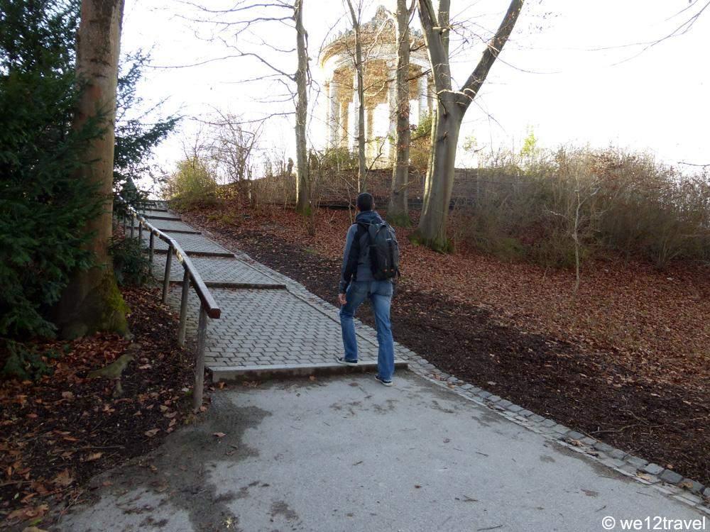 monopteros-walk