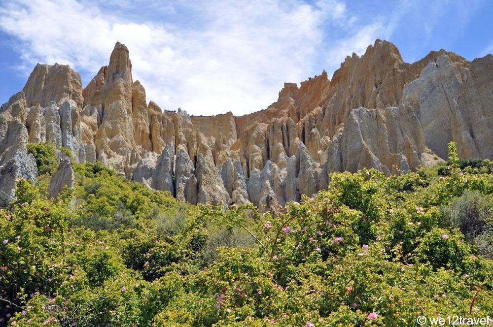 clay-cliffs-near-omarama-outside-2