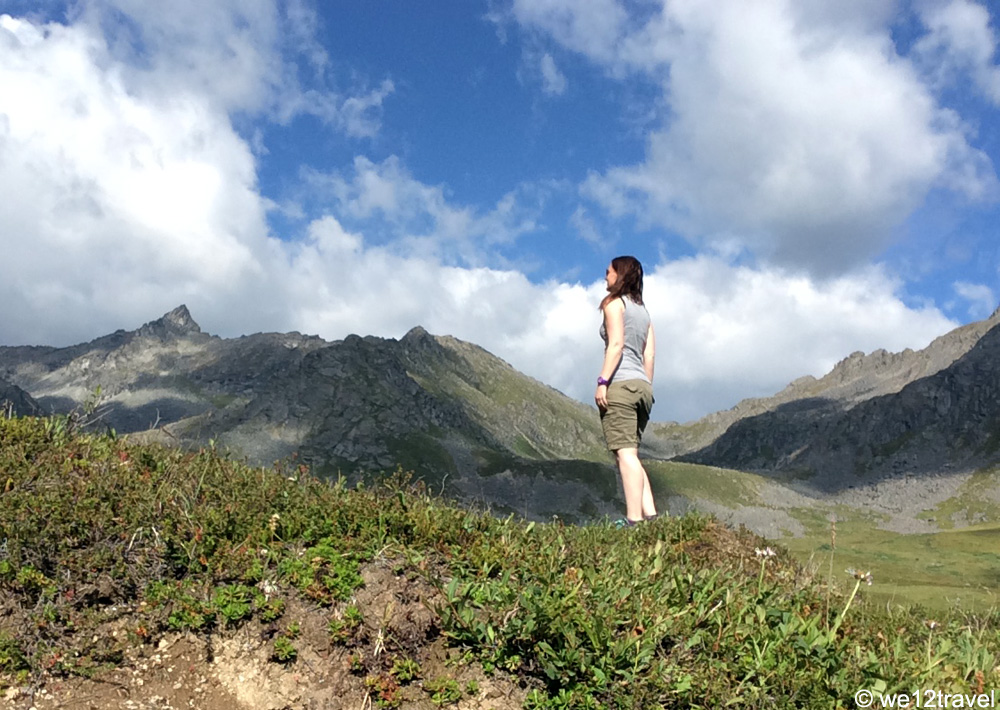 solo-hiking-hatcher-pass