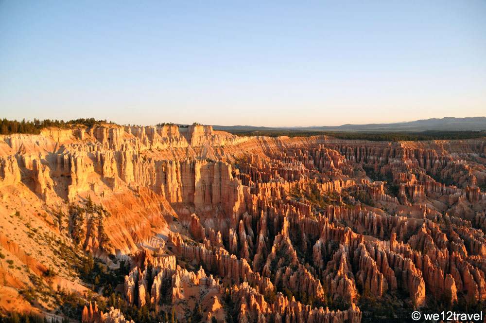 sunrise in bryce canyon hiking in utah