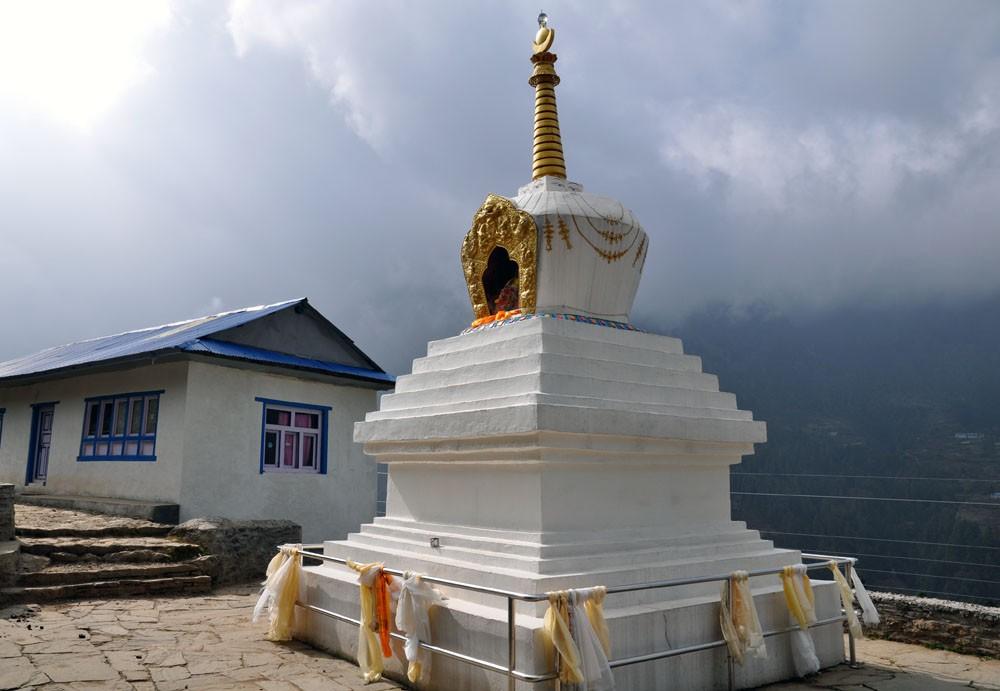 stupa-phakding