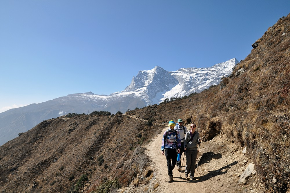 hiking to everest view hotel