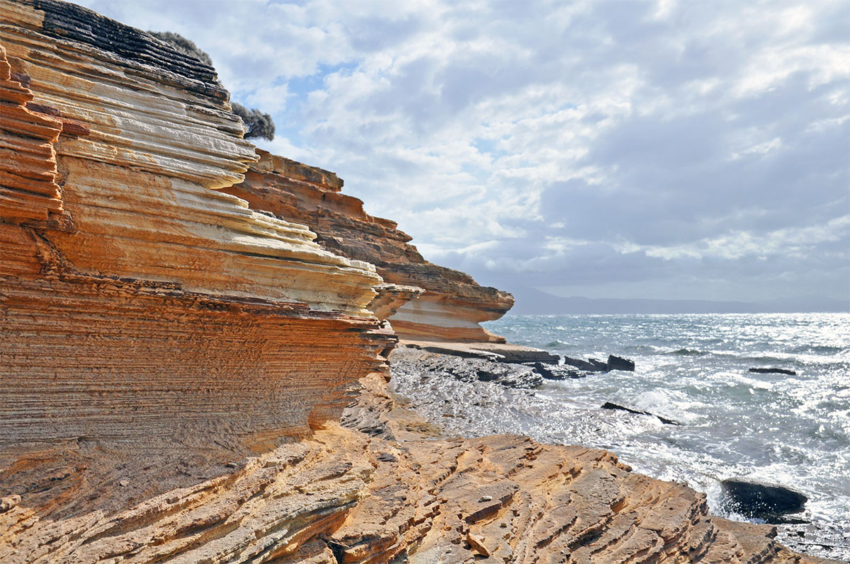 best hikes in tasmania painted cliffs maria island