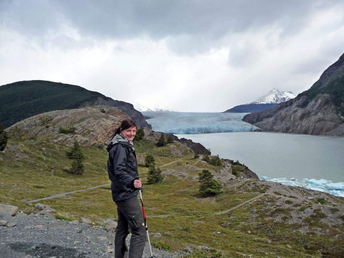 lago grey w trekking torres del paine