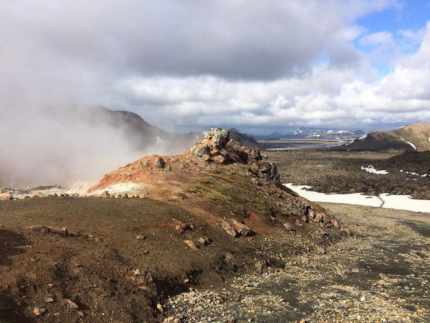 hiking in landmannalaugar wandelen in ijsland