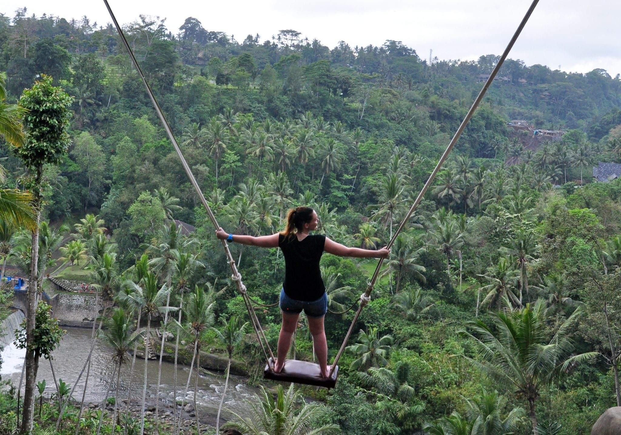 bali swing standing
