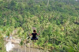 Schommelen op Bali bij The Bali Swing