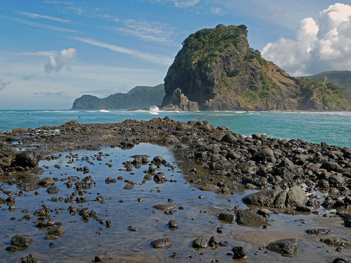 roadtrip in de waitakere ranges  piha beach nieuw-zeeland