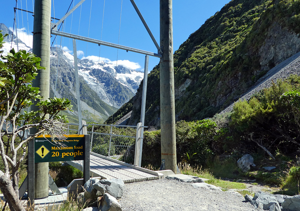 Hooker Valley Track swingbridge