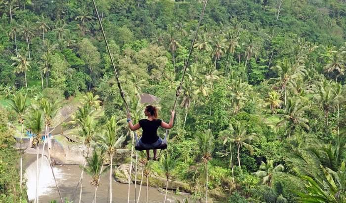 Schommelen op Bali bij The Bali Swing in Ubud