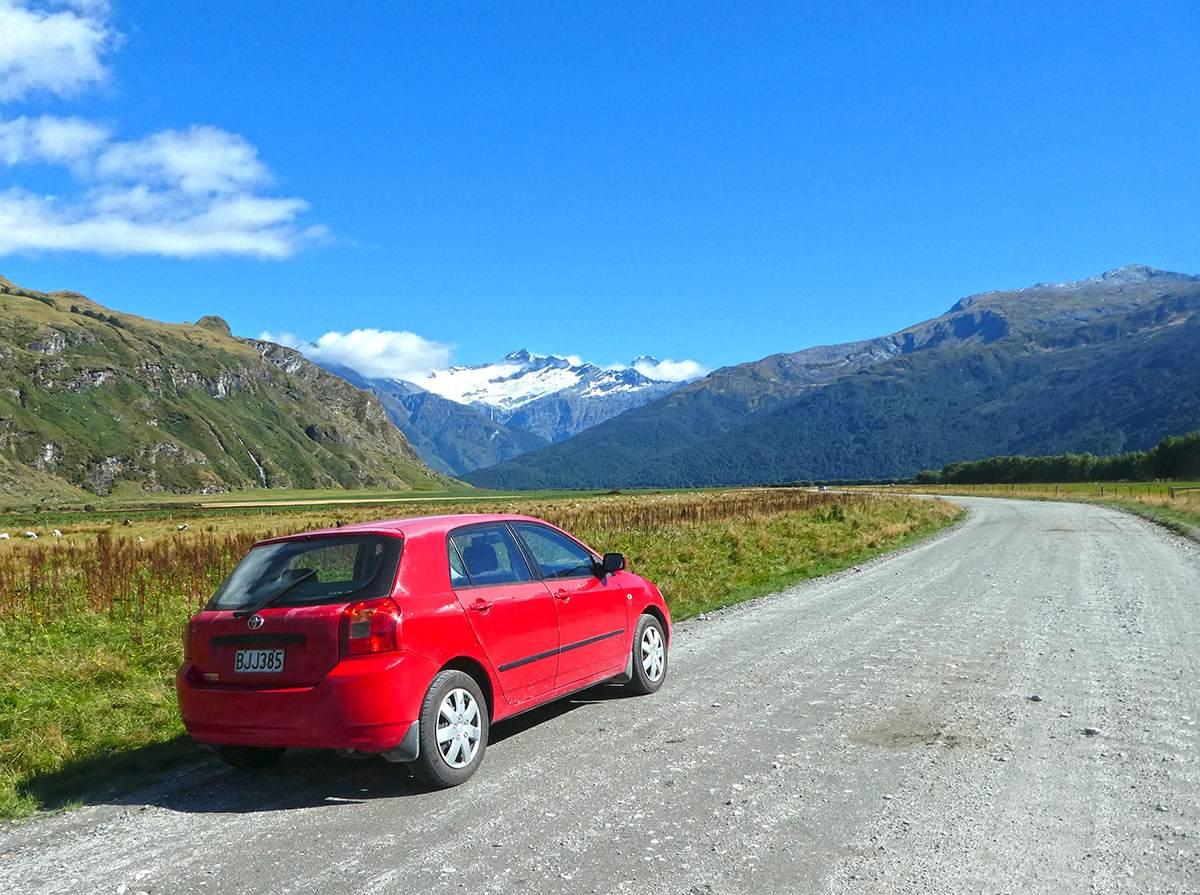 Road to Rob Roy Glacier