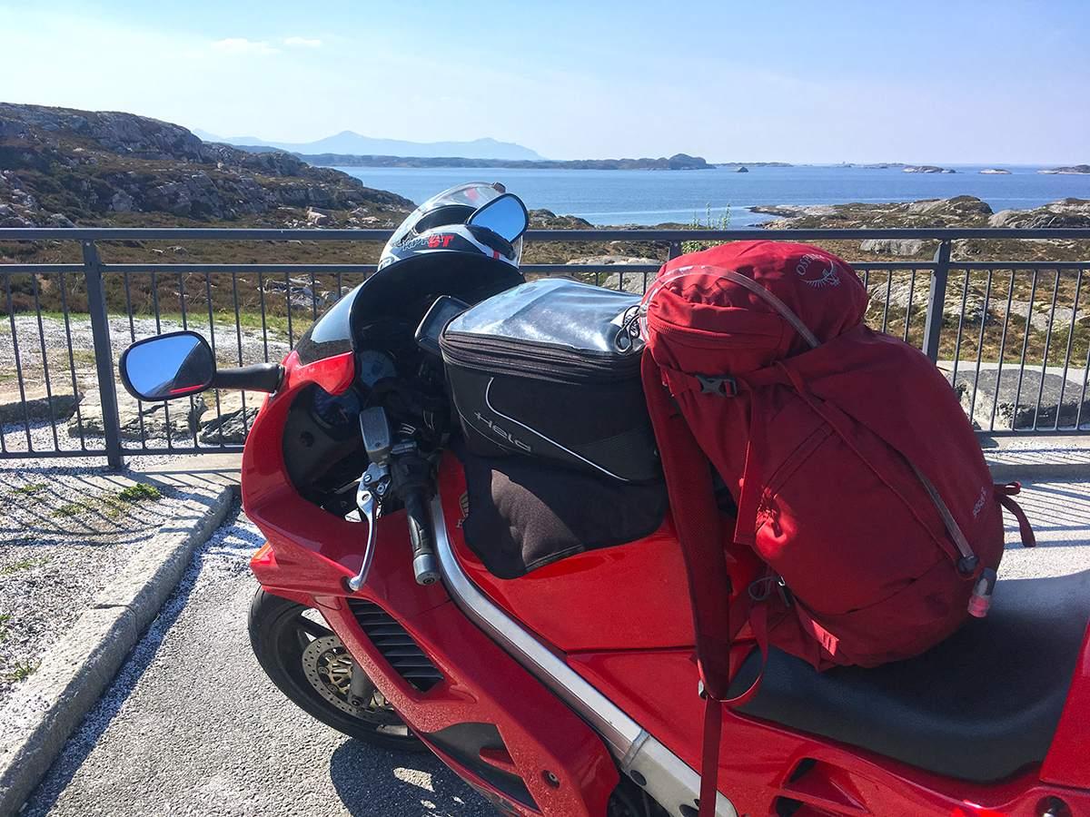 Op de motor in Noorwegen