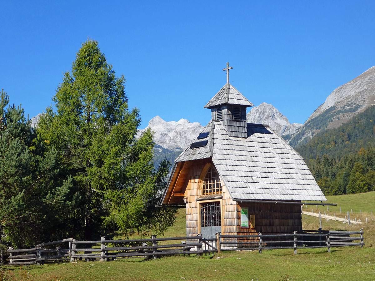 Uskovnica church Uskovnica kerk Bohinj