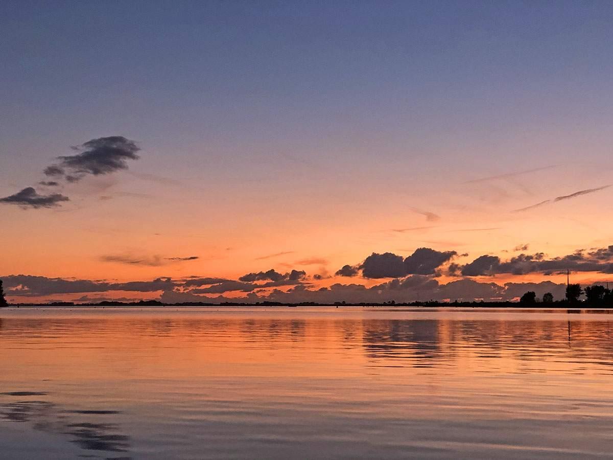 Zonsondergang Woudsend Waterland van Friesland