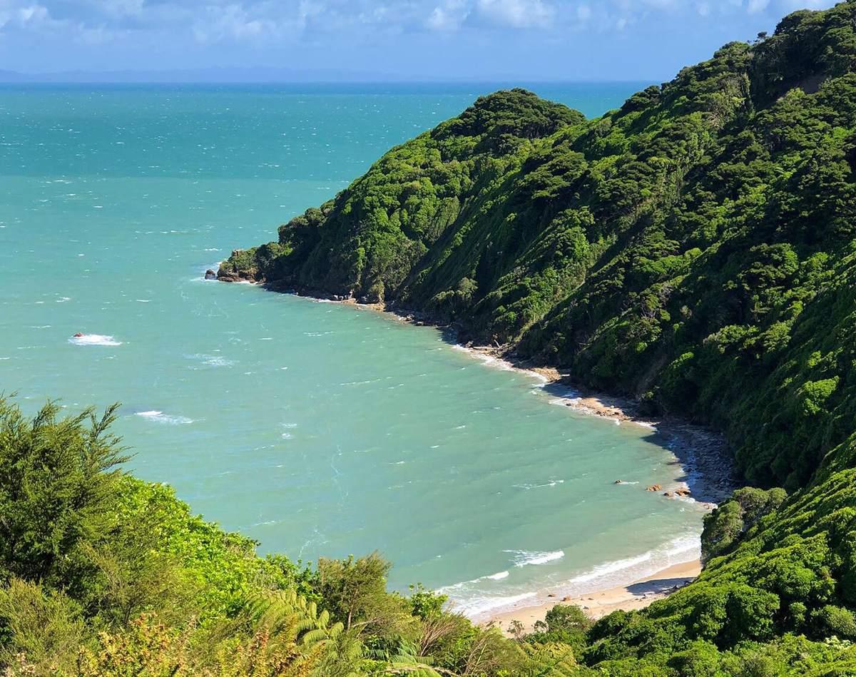 Golden Bay vanuit Wainui