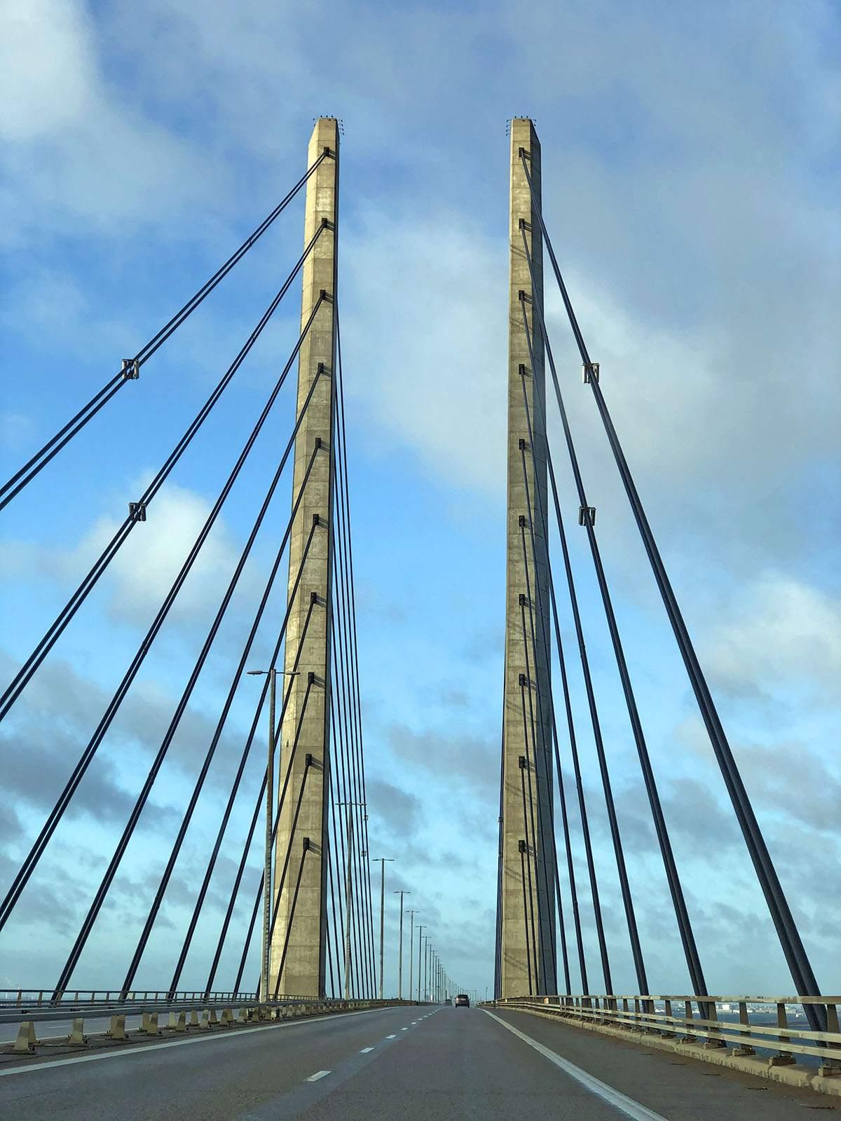 The Bridge met de auto naar zweden