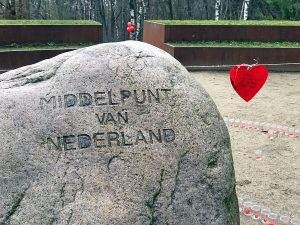 Wandeling naar het middelpunt van Nederland met de Hartstocht Winterwalk