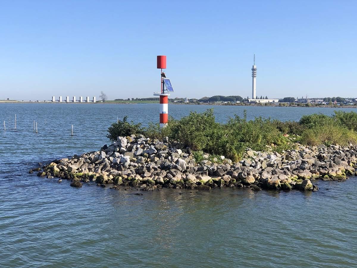 Vertrek uit de haven van Lelystad