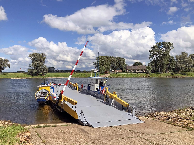 De pont van Bronkhorst naar Brummen