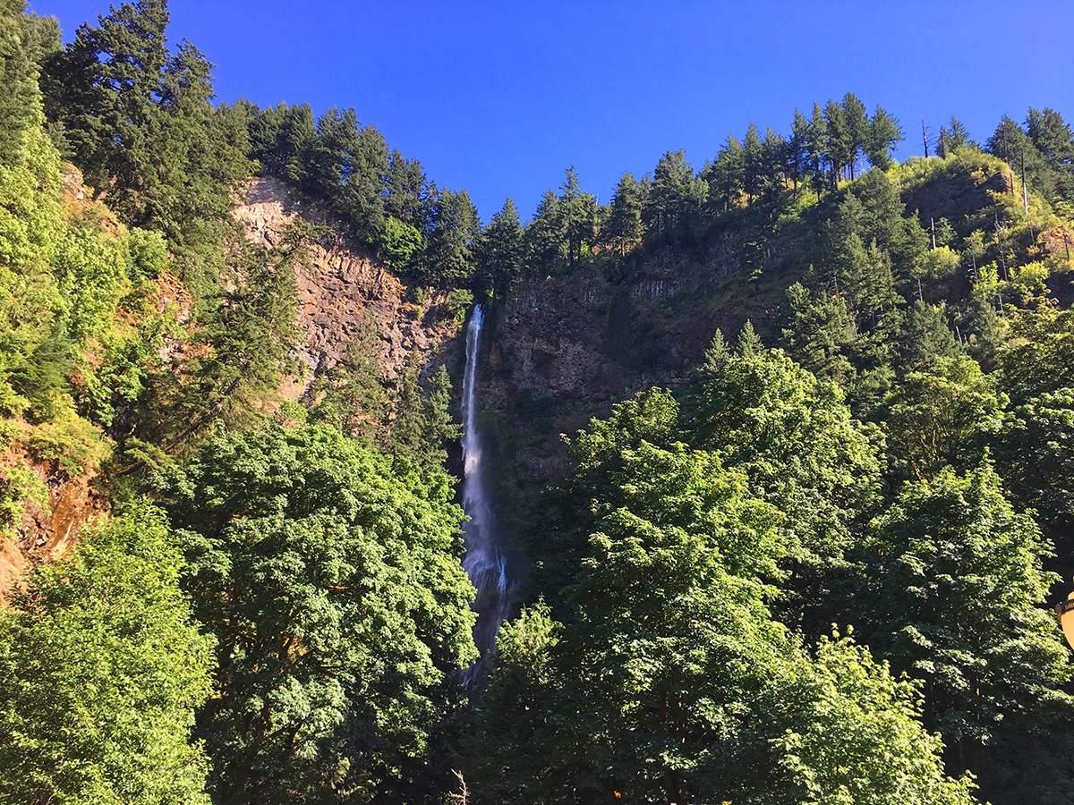 Een van de watervallen in de Columbia River Gorge